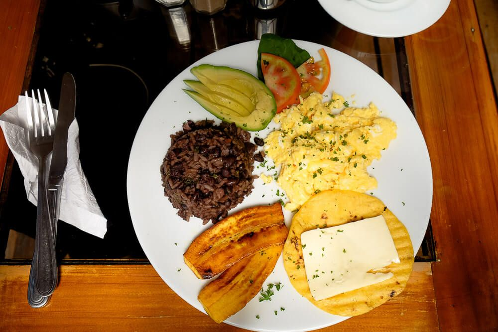 10 day Costa Rica Budget: Orchid Cafe Breakfast