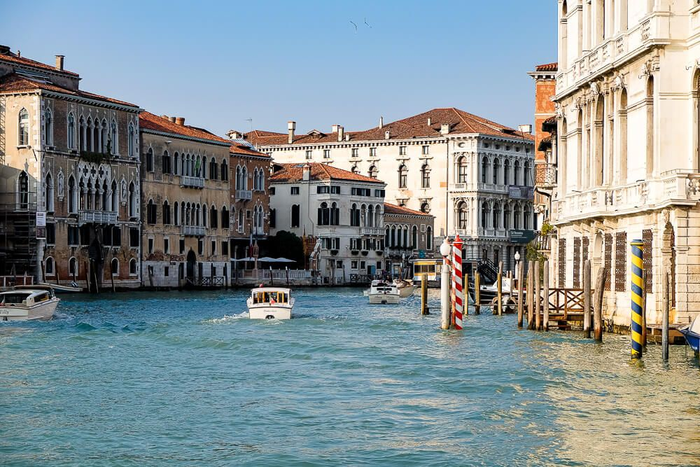 things to do in venice - vaporetto; how much does a trip to italy cost