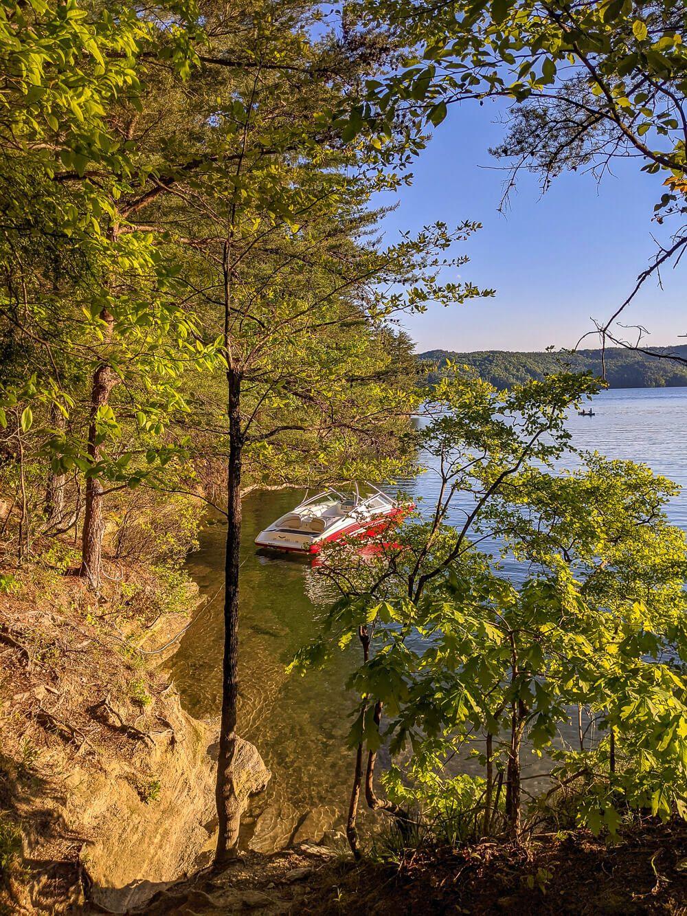 boat camping on lake jocassee